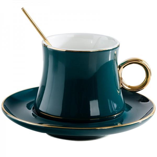 ヨーロッパスタイルのセラミックコーヒーカップセットクリエイティブゴールデンエッジティーカップとソーサーファッションフラワーティーティーカップ磁器