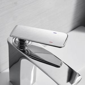 洗面台の蛇口浴室のシンクの蛇口クロームタップ洗面台の蛇口ミキサーシングルハンドル穴デッキウォッシュコールドミキサータップクレーン9920L