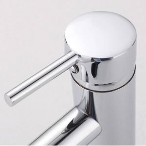 洗面台の蛇口真鍮クロームシルバーのバスルームのシンクの蛇口シングルハンドル穴デッキマウントトイレ風呂バニティミキサーウォータータップL-1007