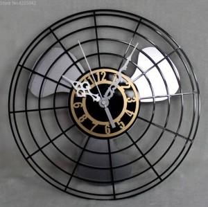 ベストセラー製品アンティーク電動ファン掛け時計コンチネンタルレトロファンクロックテーブルクリエイティブウォール掛け時計ミュート