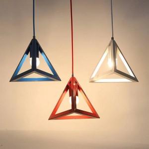 Ledペンダントライト現代のシンプルなマカロン色三角形アイアンアートペンダントランプホワイエ寝室キッズルーム照明器具