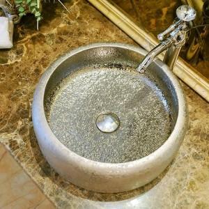 ビンテージスタイルのセラミックアート洗面台のシンクカウンタートップバスルームのシンクセラミック手洗い洗面台のバスルームシンクシルバー