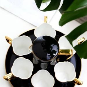 ヨーロッパの骨のコーヒーカップセットティーカップセット黒/白ウォーターカップティーポット午後ティーカップパーティーコーヒーカップセット結婚式のギフト