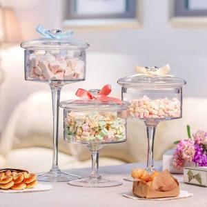 ヨーロッパの高級ガラスキャンディジャー透明カバー収納ボトル防塵ガラスケーキデザートプレート結婚式の装飾