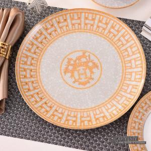 ヨーロピアンスタイルのセラミック食器セットボーンファッションレッドデザイン4ピース食器セットストライプディナーセット新築祝いギフト