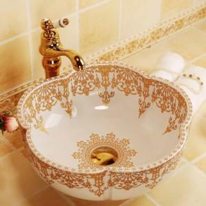 花の形の浴室の陶磁器の流しの洗面器のカウンタートップの洗面器の浴室の流しの白い金パターン容器の流し