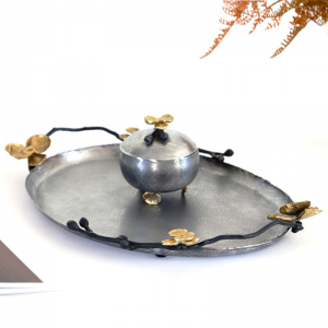 InsFashionヴィンテージはアラビア風のロイヤルスタイルのレストランの装飾のための古い楕円形の銅サービングトレイを行う