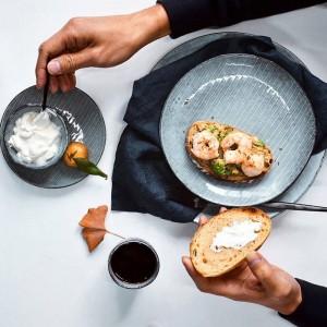 KINGLANG日本のデザインのセラミック食器セット磁器プレートセットレストランボウル皿マグQINGX