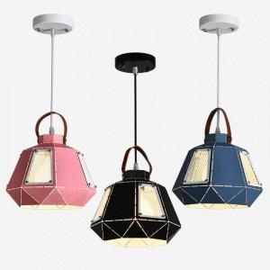 モダンなシンプルなマカロンペンダントライトアイアンアートカラフルなランプシェードダイニングルームのつり天井の寝室の装飾照明器具