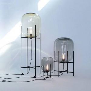 クリエイティブシンプルなテーブルランプガラスランプシェードデスクライト黒ボディ新デザインショップ家の装飾ナイトスタンド