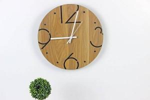 北欧のミニマリストのファッションラウンド木製の壁時計リビングルームの寝室の研究ミュートの壁時計壁の時計壁の装飾
