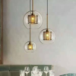 北欧モダン新古典的なリビングルームの寝室のペンダントライトクリエイティブクリアガラスつや消しゴールドシルバーランプボディE27 LED電球