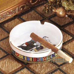 磁器灰皿骨神馬デザイン女性の金の丸型ポケットカー灰皿ファッションポータブル灰皿ギフト