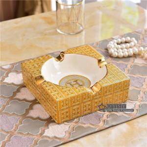 磁器灰皿アイボリー磁器2サイズ家庭用暖かい贈り物のための金の正方形の形をした灰皿でチェックデザインの概要