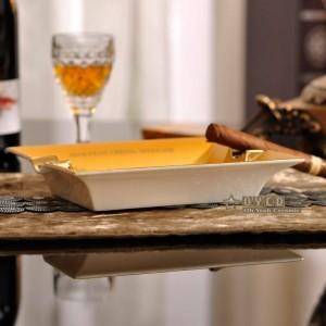 金の形をした磁器のファッション灰皿骨正方形馬デザイン概要シガー灰皿タバコ装飾ギフト
