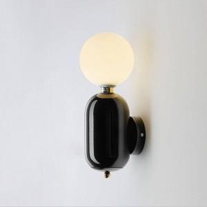 ポストモダンウォールランプブラックホワイトゴールドカラーシンプルなクリエイティブベッドサイドデコレーションライトリビングルームの廊下の壁ライト