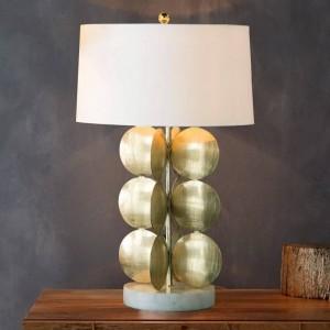 シンプルなテーブルランプ現代ゴールドボディ白fabircシェードデスクランプ装飾ランペクリエイティブe27 3ワットled電球ノルディックライト